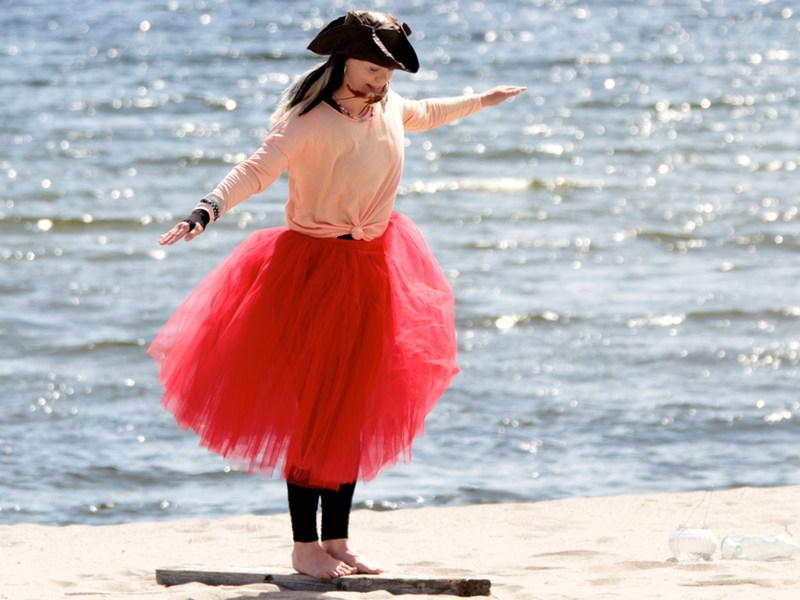 Balance training with Pirate Sessa